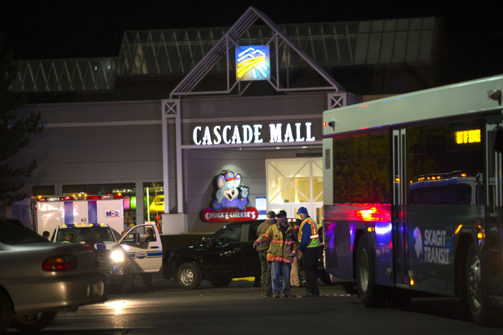Mall victims include teen, probation officer, Boeing worker