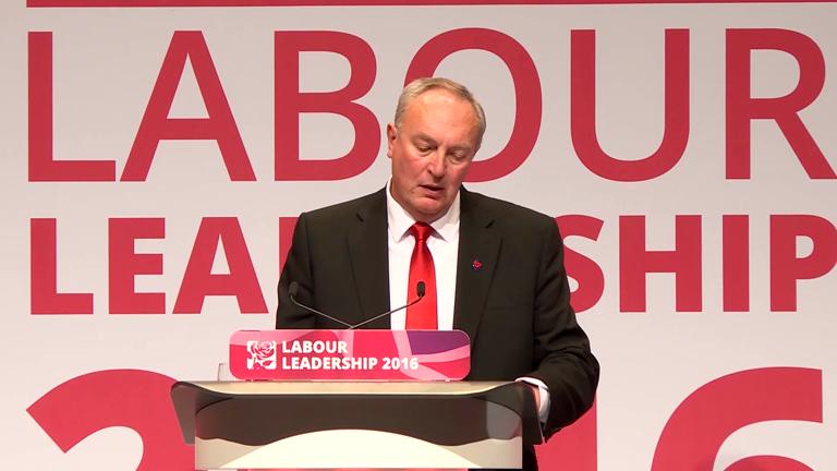 Jeremy Corbyn beats Owen Smith to retain Labour leadership