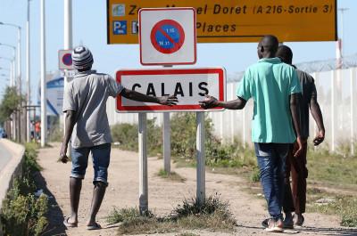 Calais Jungle closure