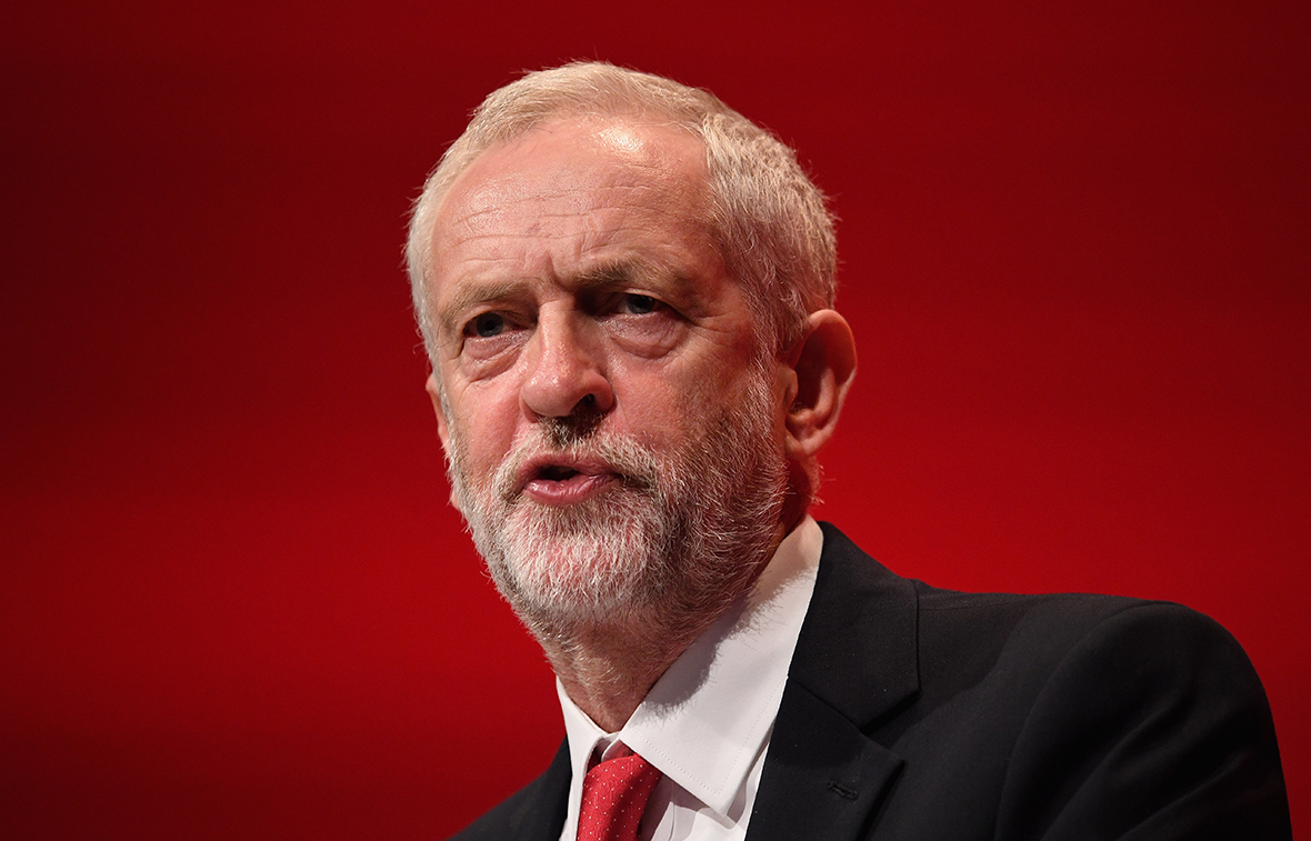 Jeremy Corbyn's human rights speech heckled by Peter Tatchell demanding action on Syria