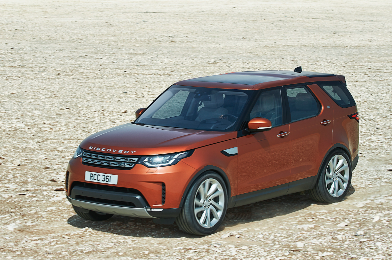 New Land Rover Discovery Revealed At Paris Motor Show