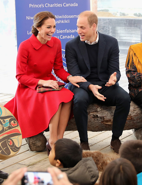 Royal visit canada kate middleton falls about in giggles during story