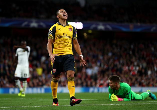 Alexis Sanchez shows his frustration