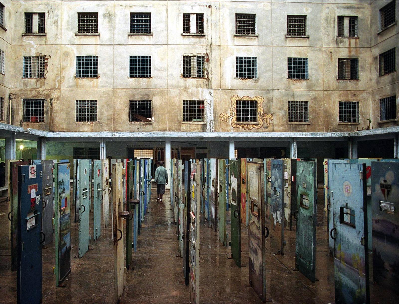 Carandiru prison