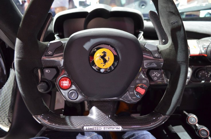Ferrari LaFerrari Aperta steering wheel