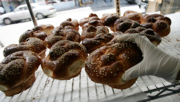 Challah bread buns