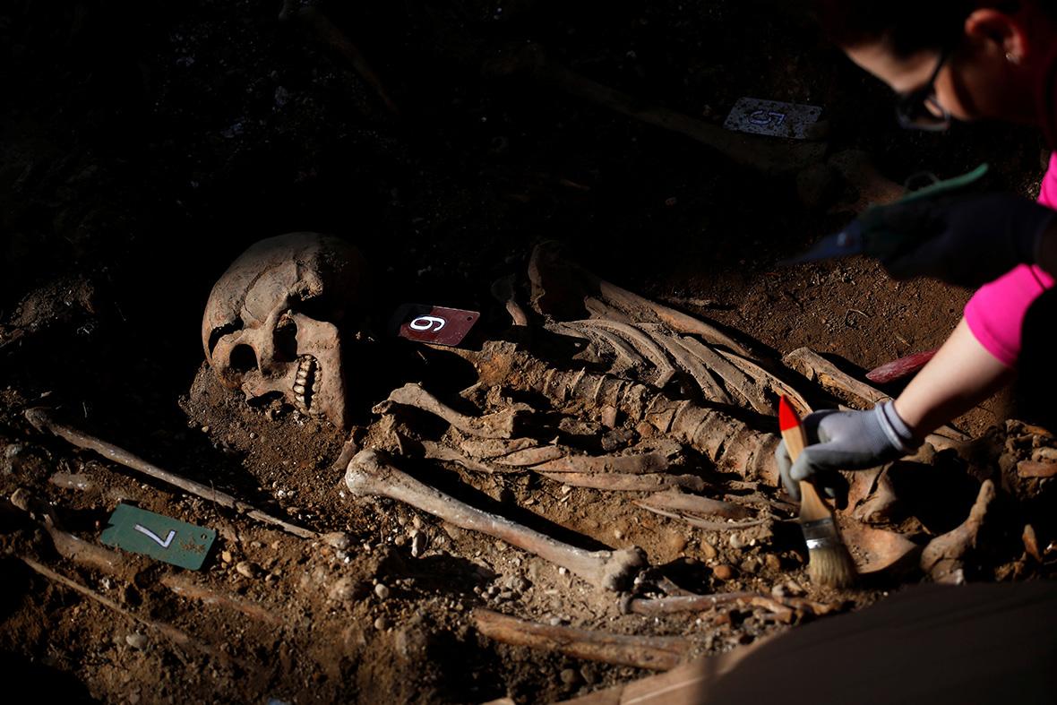 Spanish Civil War graves