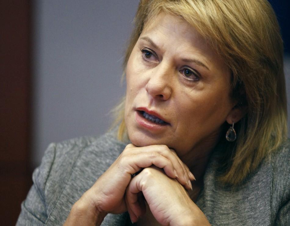 Yahoo fires Carol Bartz