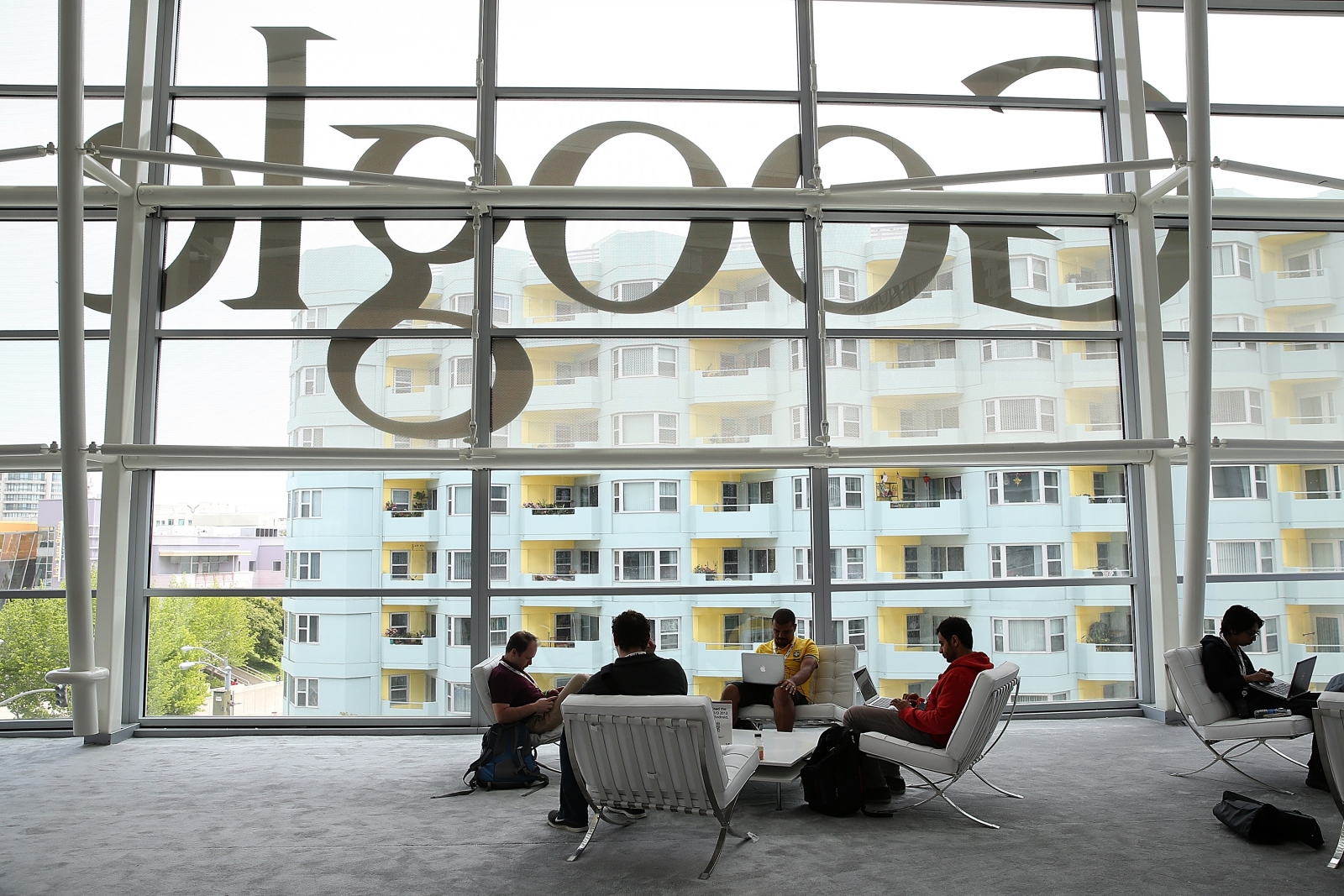 Google to revive plan for London headquarters