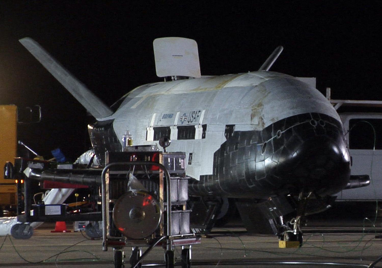 x-37b secret mystery space plane orbit
