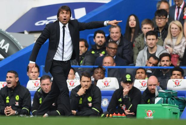 Antonio Conte on the Chelsea bench