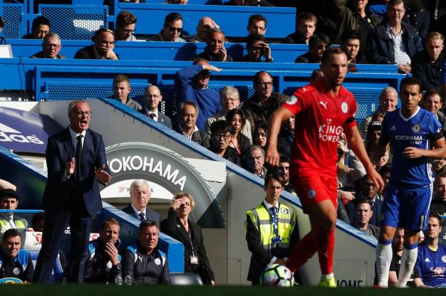 Claudio Ranieri urges his players on