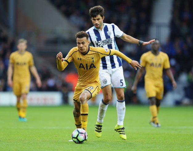 Dele Alli looks for a winning goal