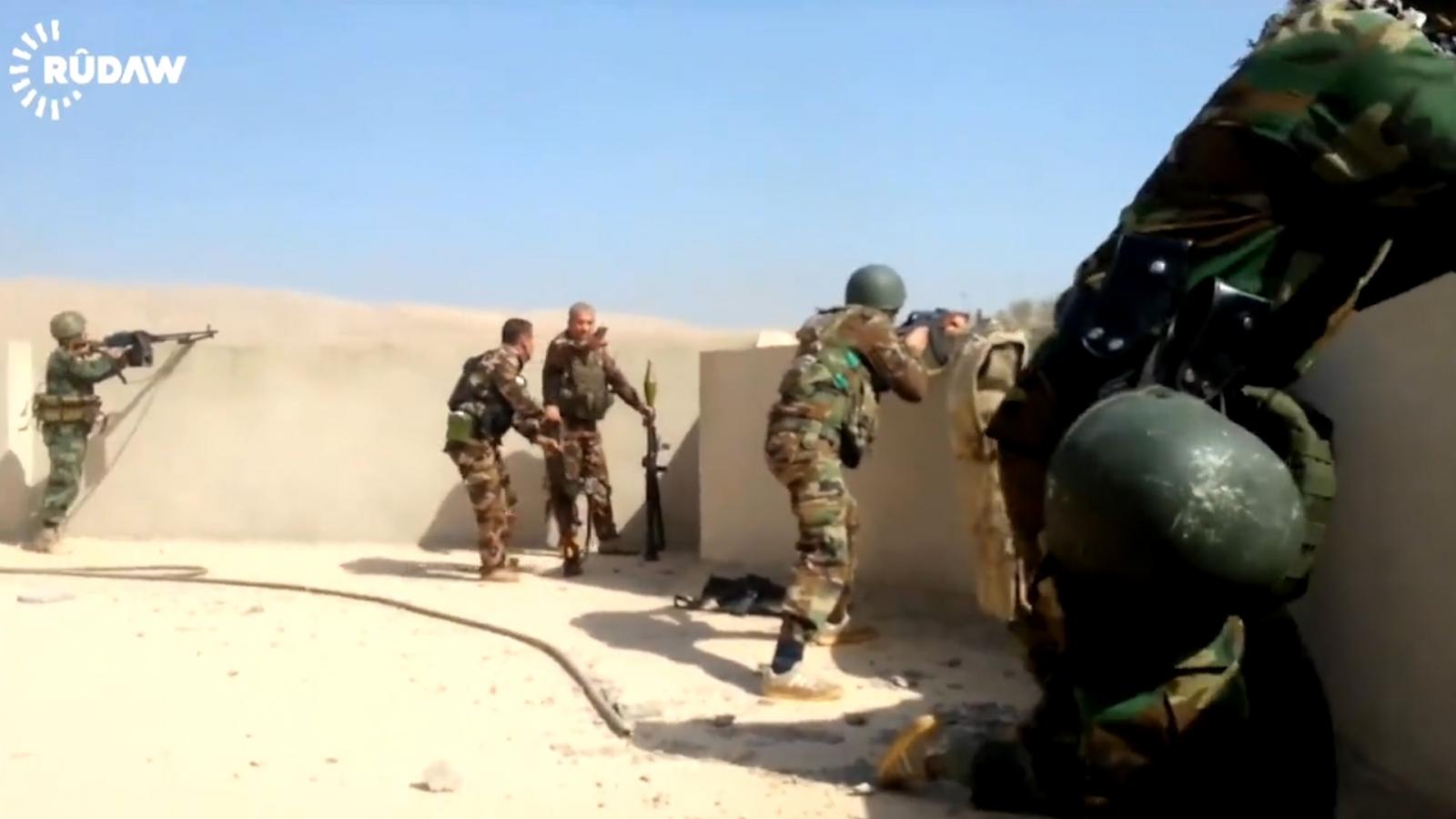 Kurdish Peshmerga fight back in Mosul