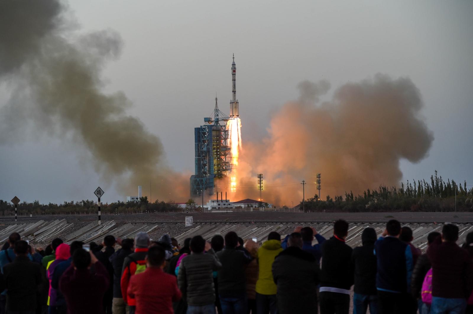 Shenzhou-11 manned spacecraft china