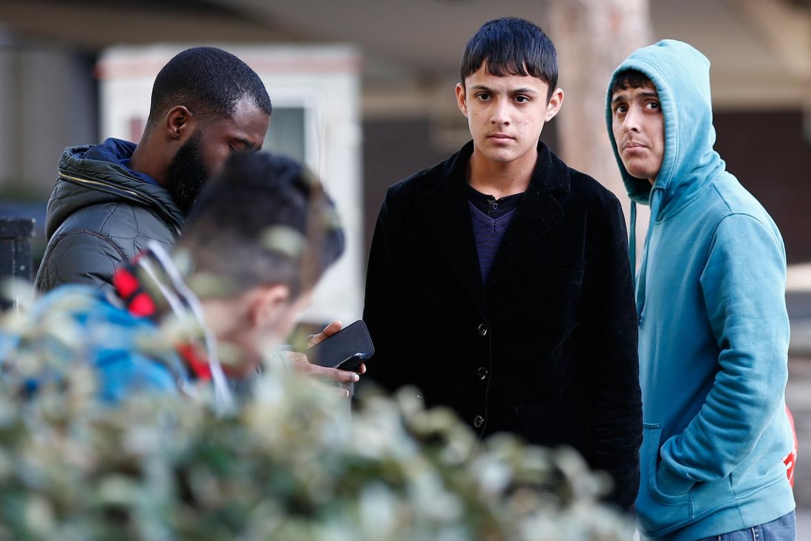 Calais minors