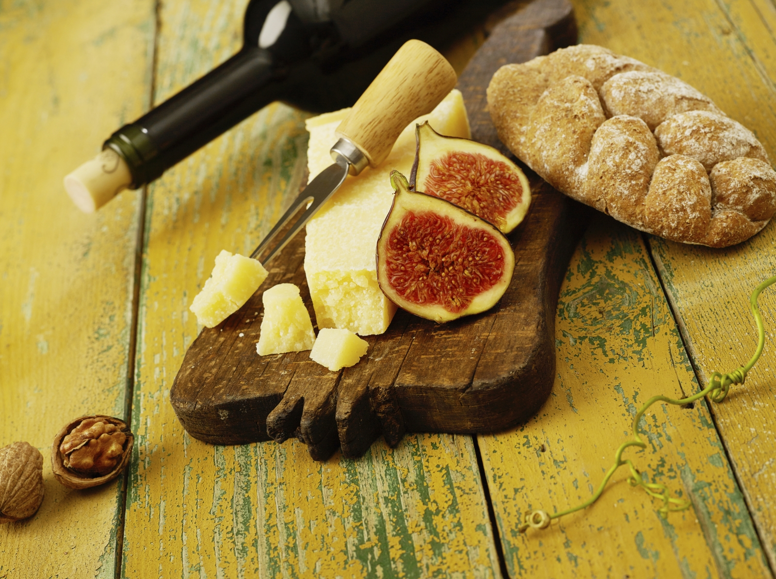 Cheese, wine, figs, bread