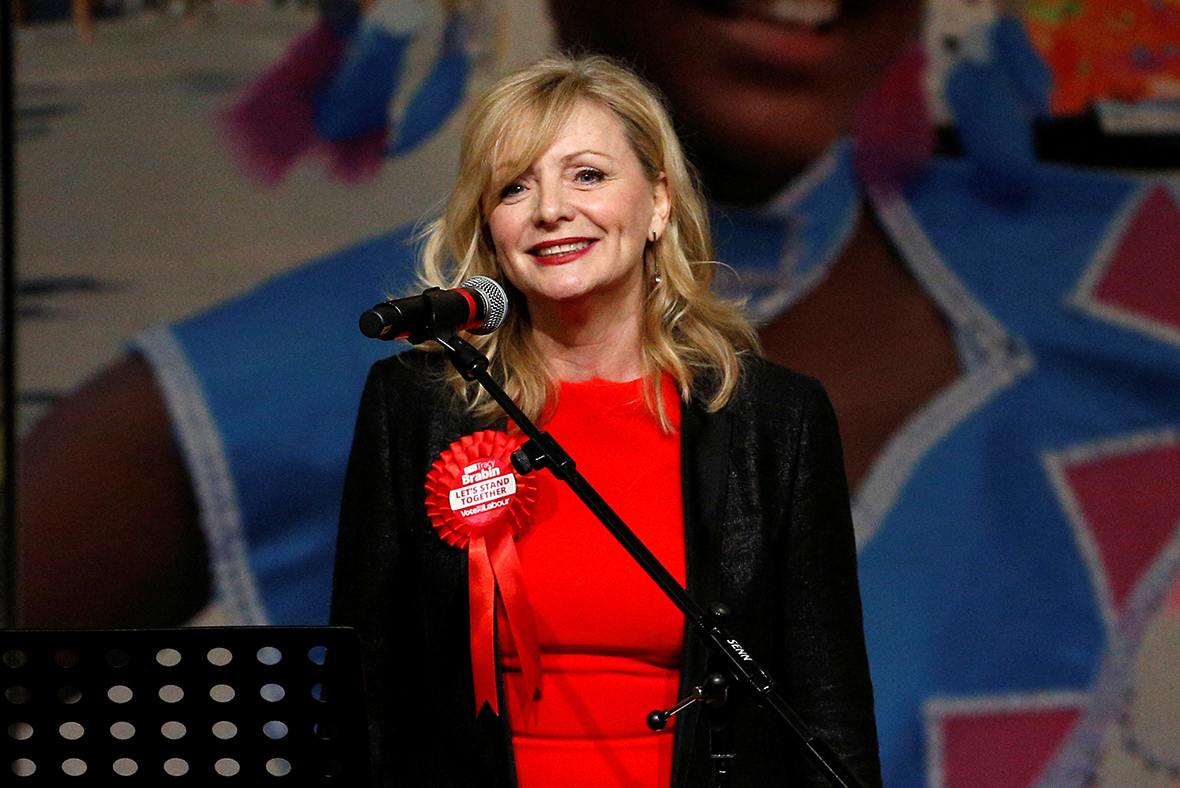 Labour's Tracy Brabin heckled while paying tribute to Jo Cox after winning by-election
