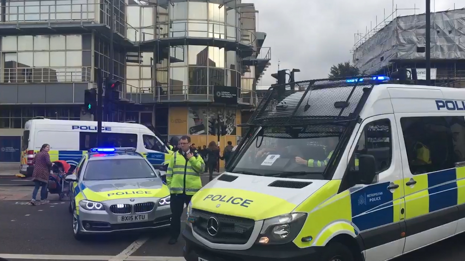 London terror arrest: Armed police taser Tube bomb suspect outside Holloway Road station