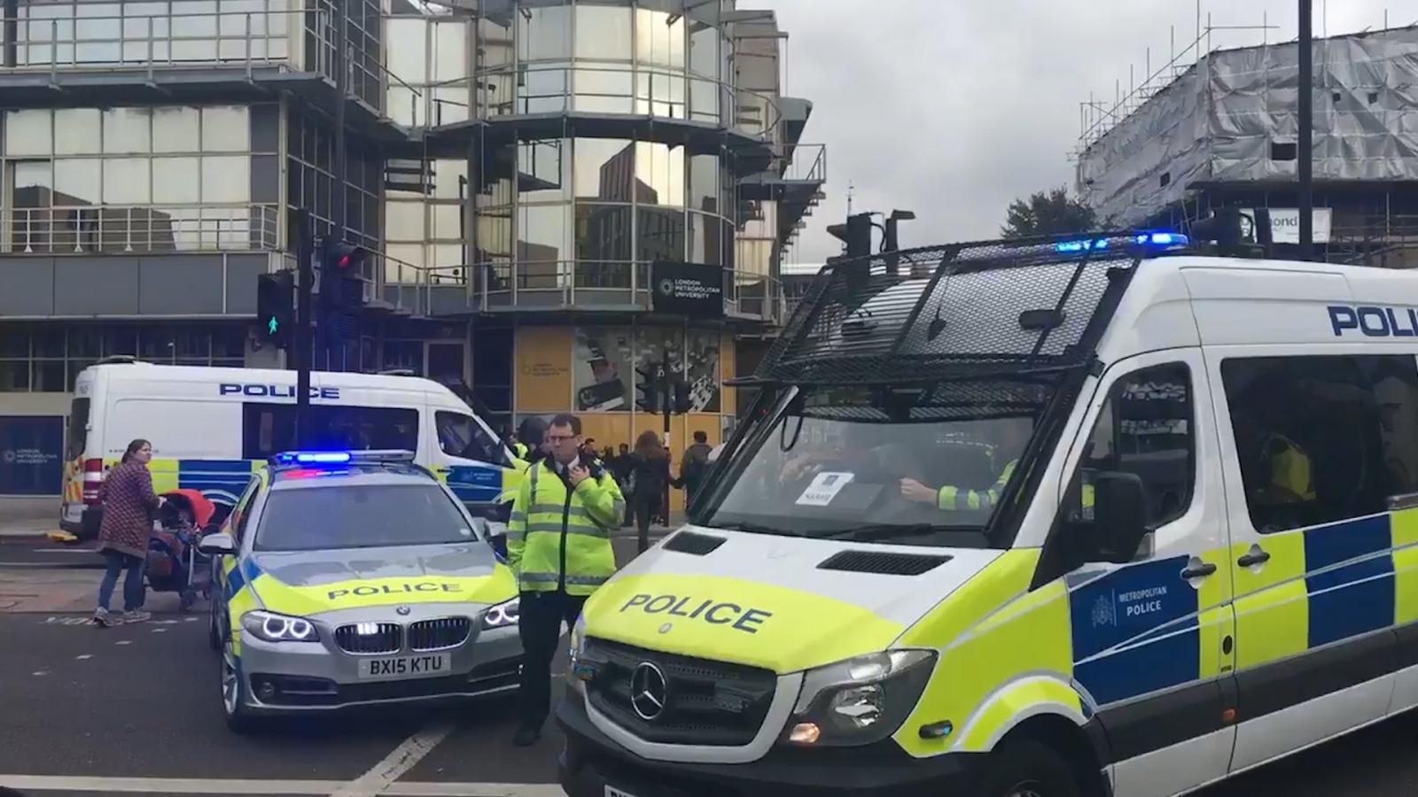 London terror arrest: Armed police taser Tube bomb suspect outside Holloway Road station