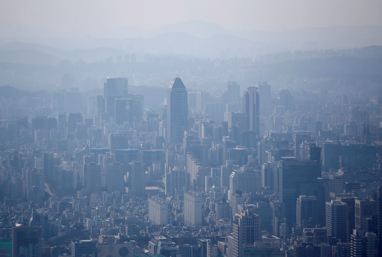 Asian markets mixed as South Korea reports weak GDP data