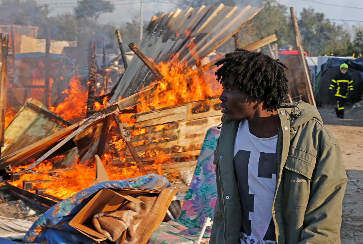 Calais Jungle camp migrants refugees