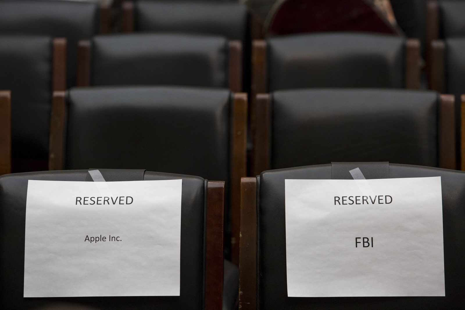 WikiLeaks reveals Apple's data sharing with governement