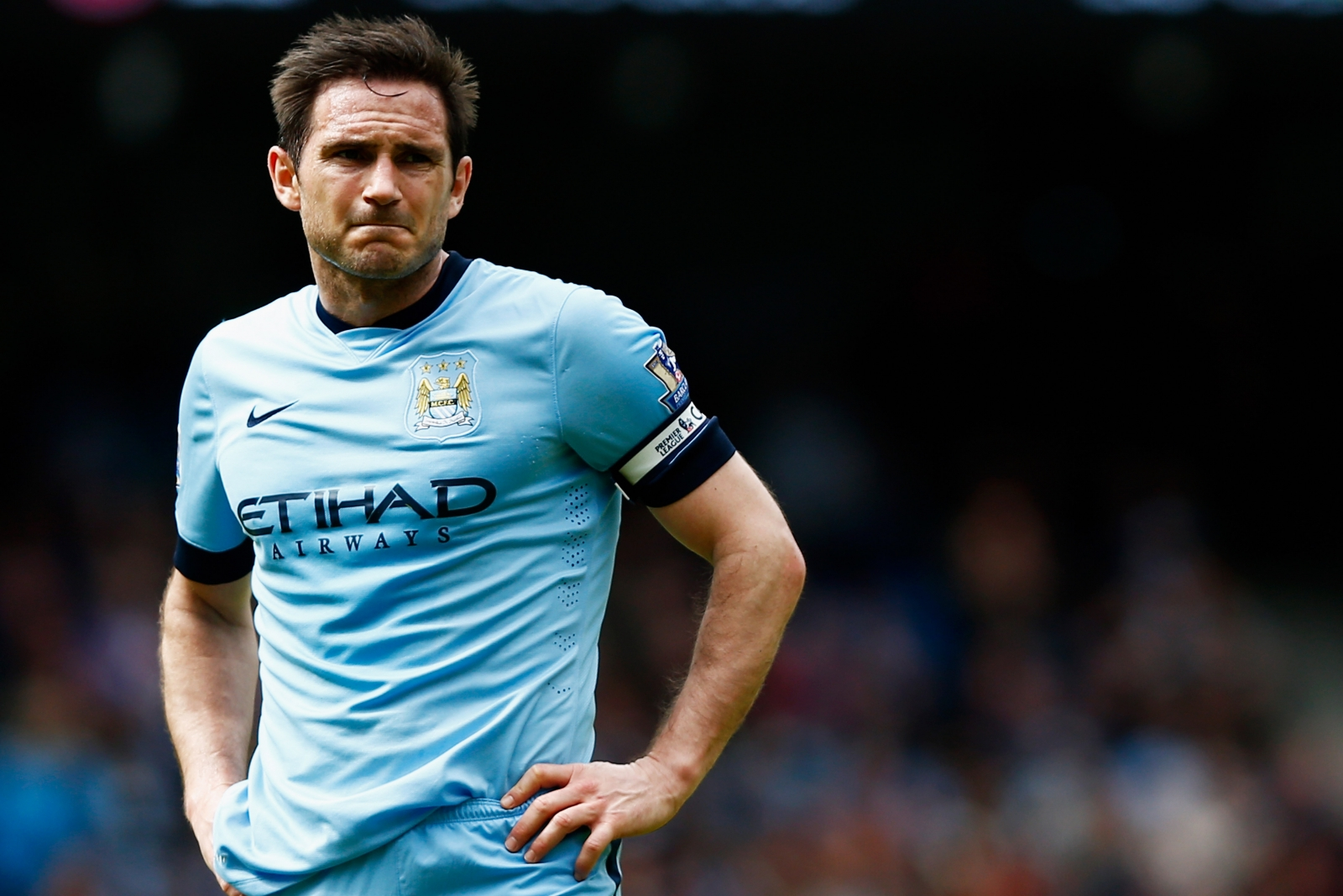 backs Chelsea Bridge  news: Lampard Frank Stamford legend
