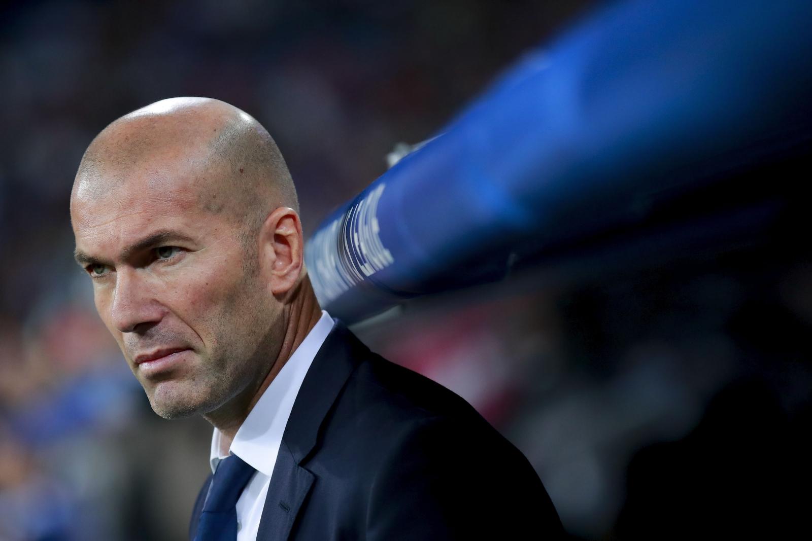 alaves vs real madrid  zinedine zidane backs  u0026 39 angry