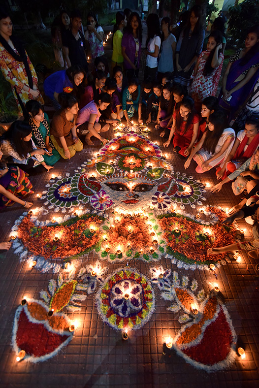 Diwali 2016 Colourful Celebrations Of The Hindu Festival Of Lights