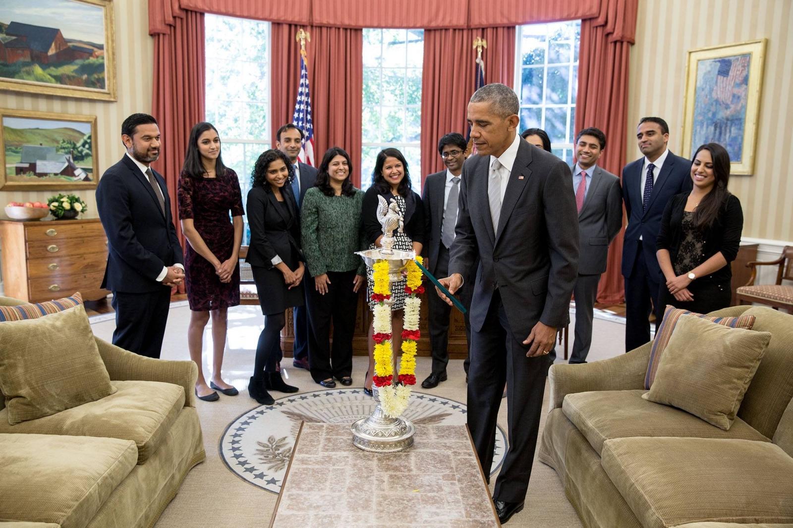Barack Obama And Justin Trudeau Celebrate Diwali And Greet Indian Community