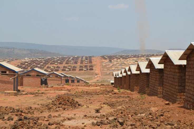Semi-permanent homes in Mahama