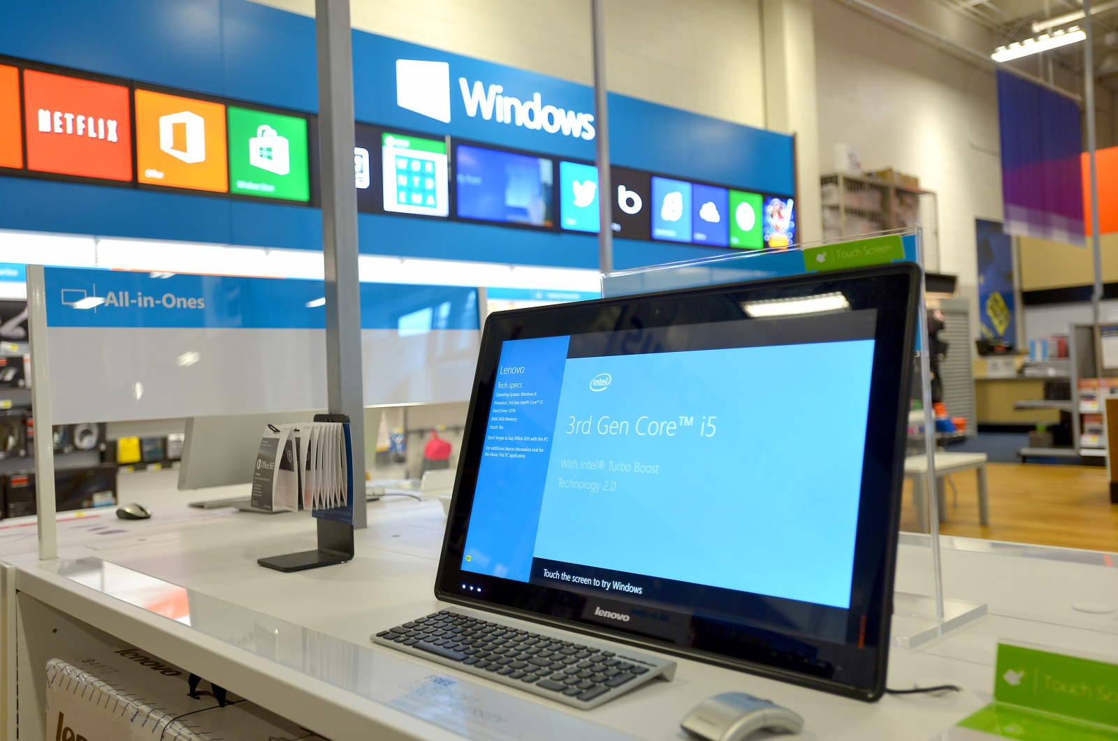 Microsoft removes 90,000 apps from Windows Store