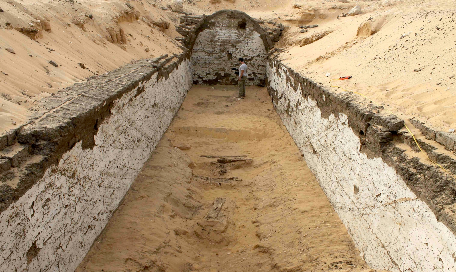boat burial Egypt