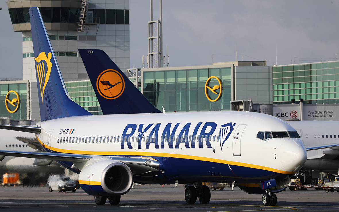 Ryanair Direct Entry Captain Recruitment   FlightDeckFriend.com