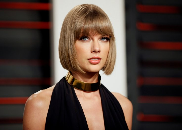 taylor swift returning to spotify with new album universal announce exclusive streaming deal - Taylor Swift Christmas Album