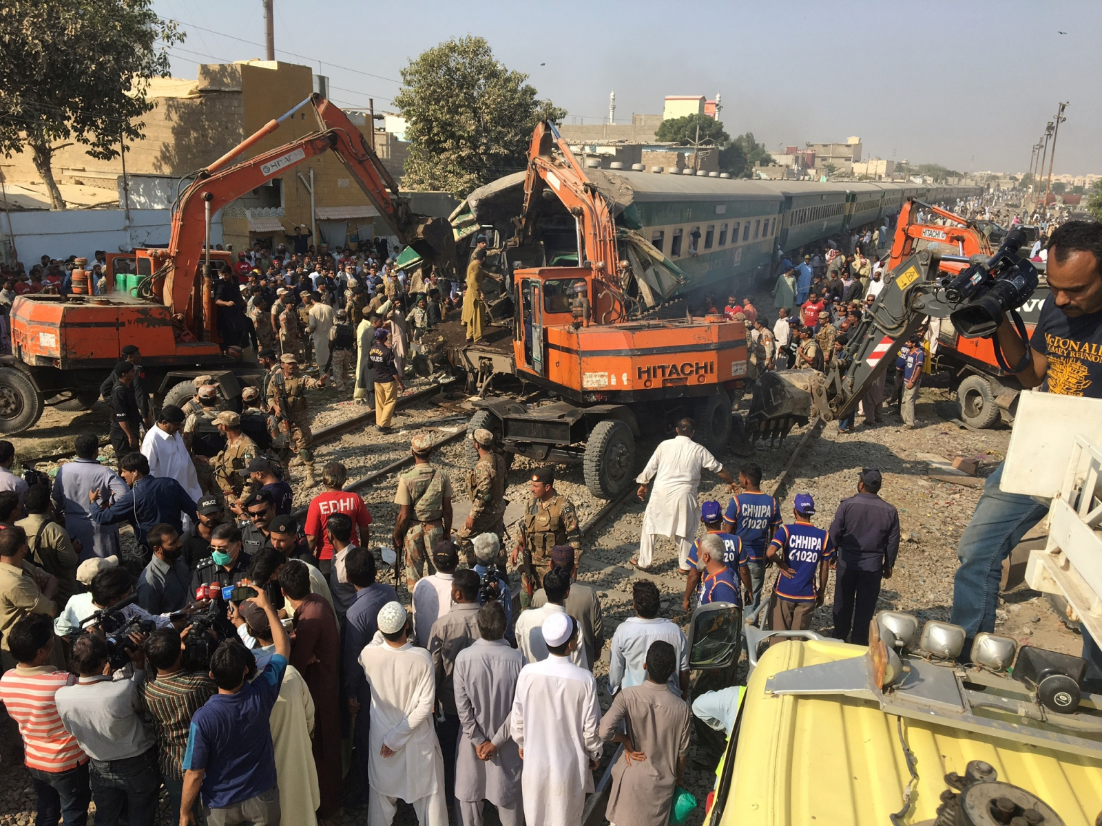 Karachi train accident