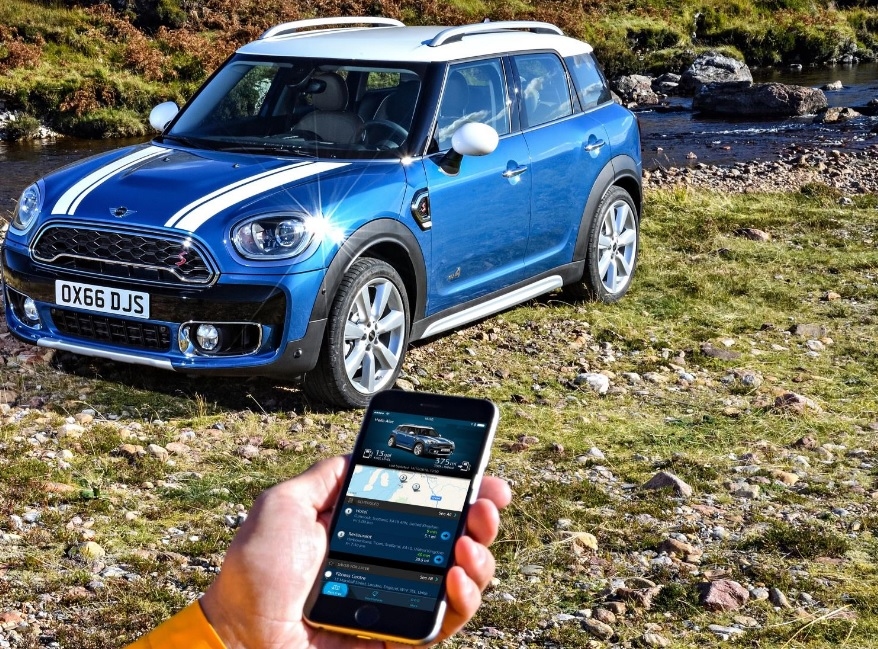 Mini cars gets iPhone 'personal assistant' app to help you tackle the daily commute