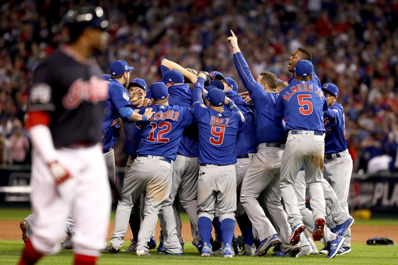 Viewers guide - Cubs take on their World Series title ...