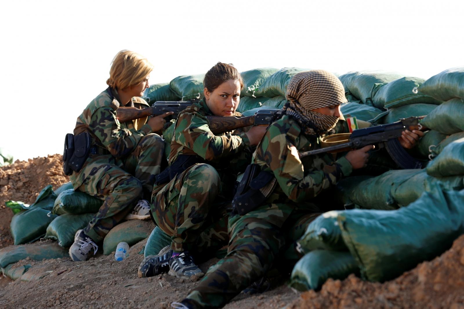 Iranian-Kurdish female fighters