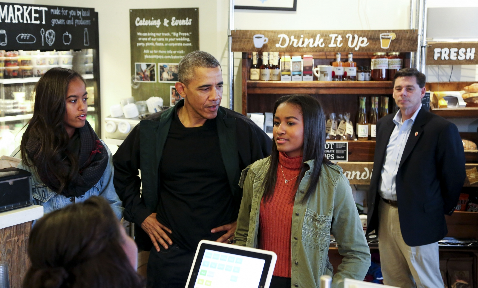 President Barack Obama daughters, Malia and Sasha