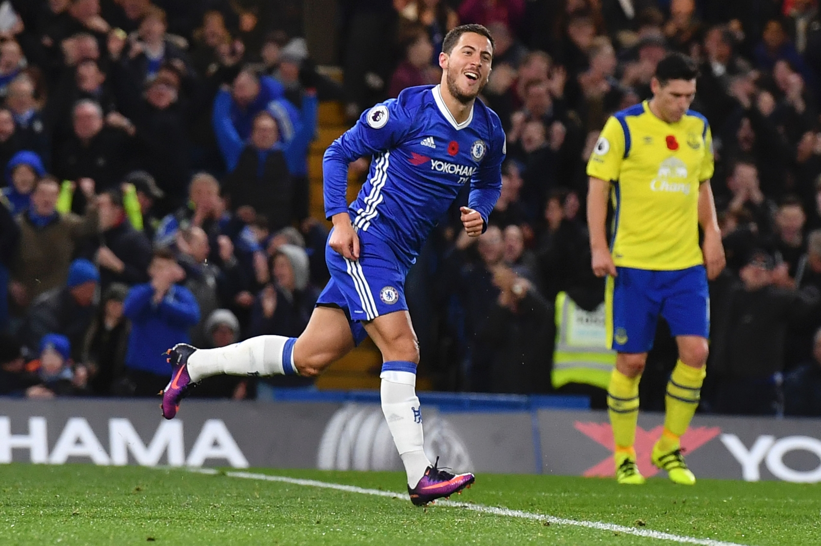 Chelsea 5-0 Everton: Eden Hazard Dazzles Sorry Toffees