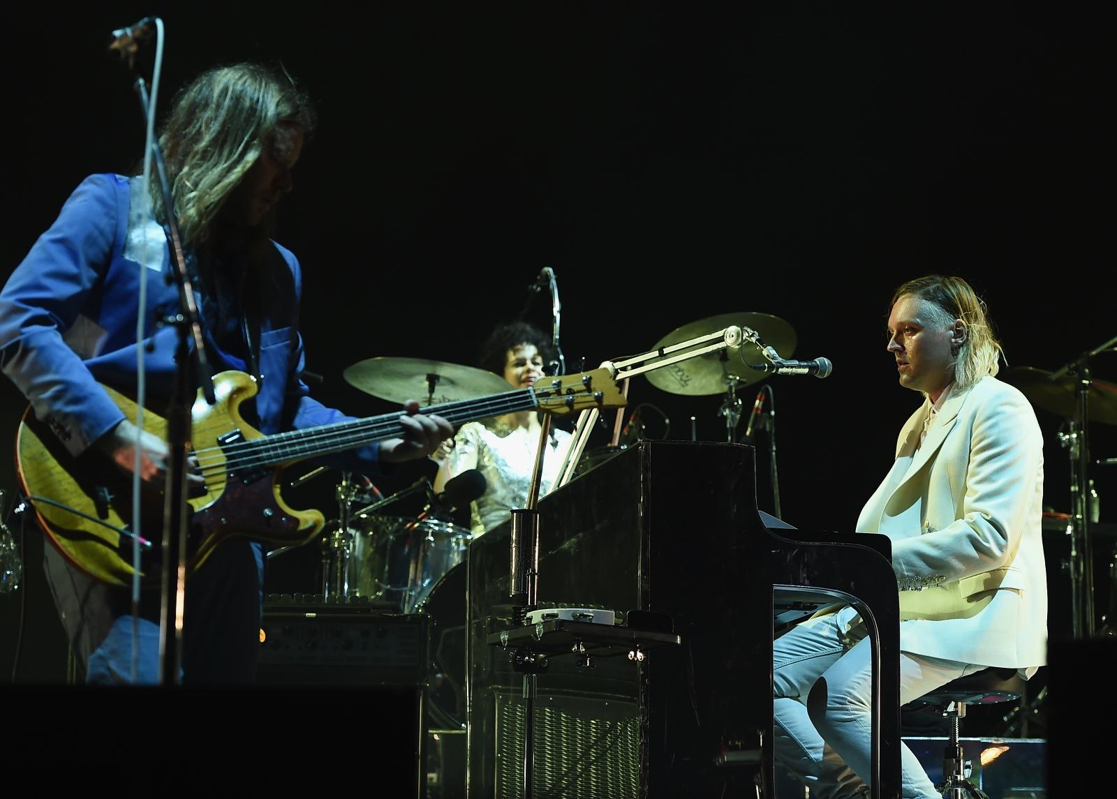 2017 Arcade Fire Album: Release Date, Tour Dates, New ...