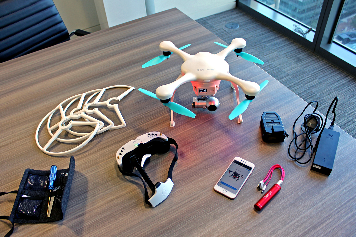 Ehang Ghostdrone 2.0 VR and its accessories