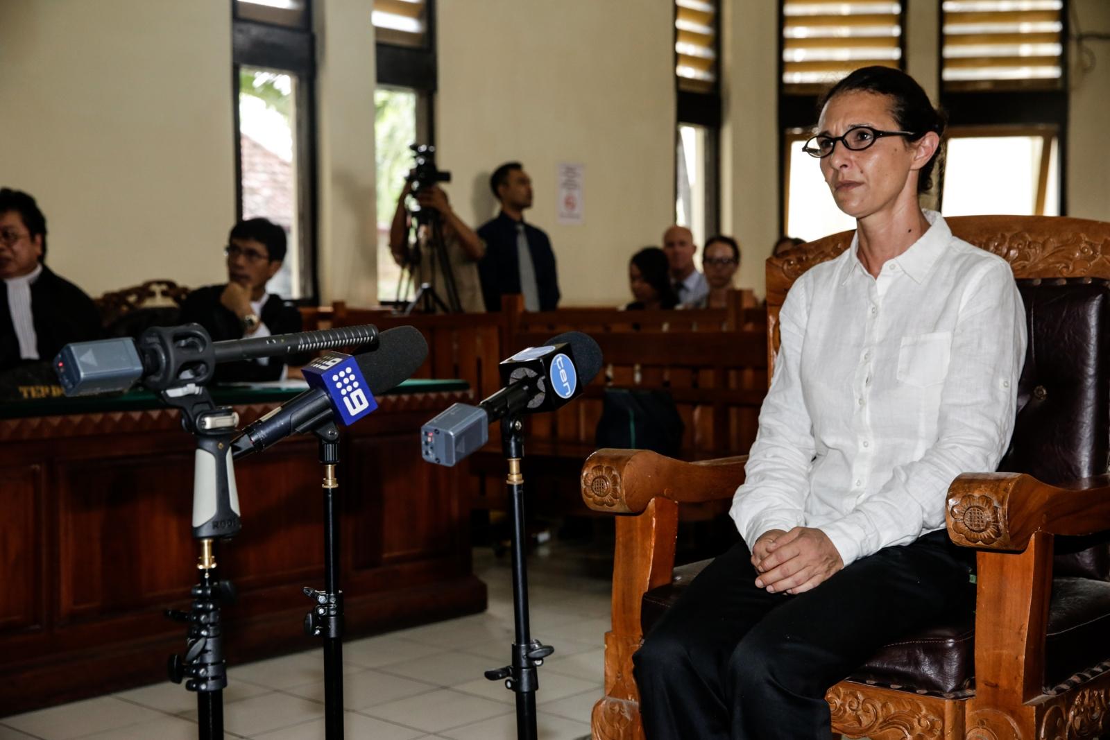 Technology Management Image: Australian Woman And Brit Boyfriend Face Indonesian Court