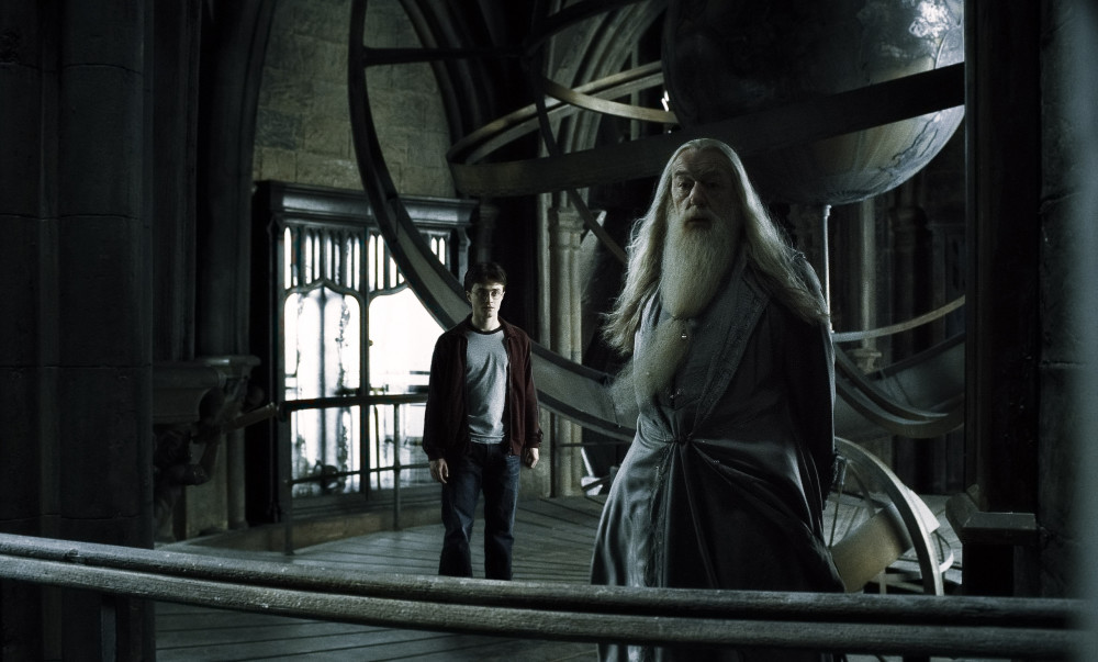 Will Dumbledore be openly gay in Fantastic Beasts 2?