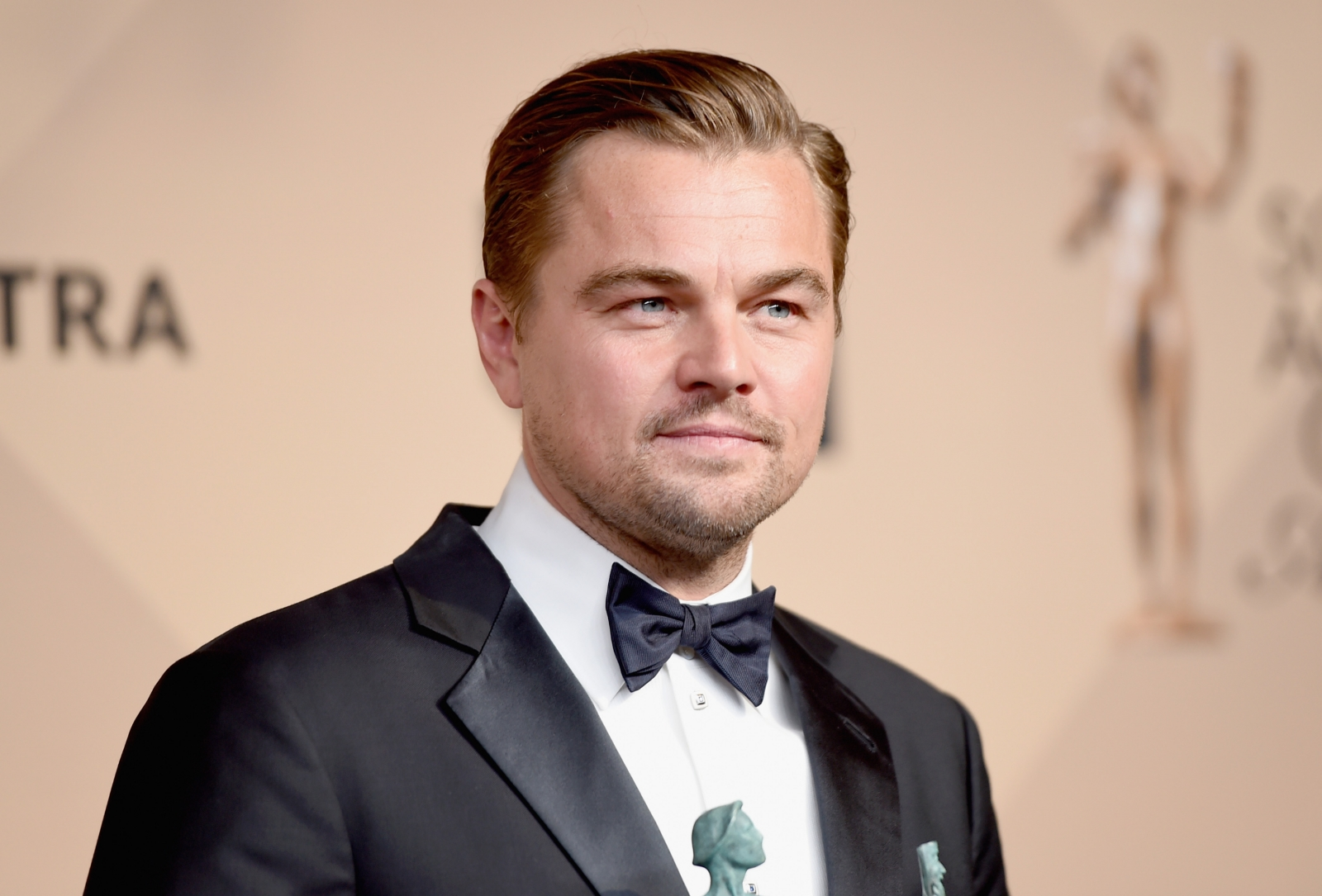 Leonardo DiCaprio meets Donald Trump to 'discuss' job creation by ...