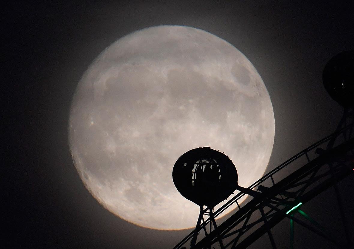 Super moon supermoon