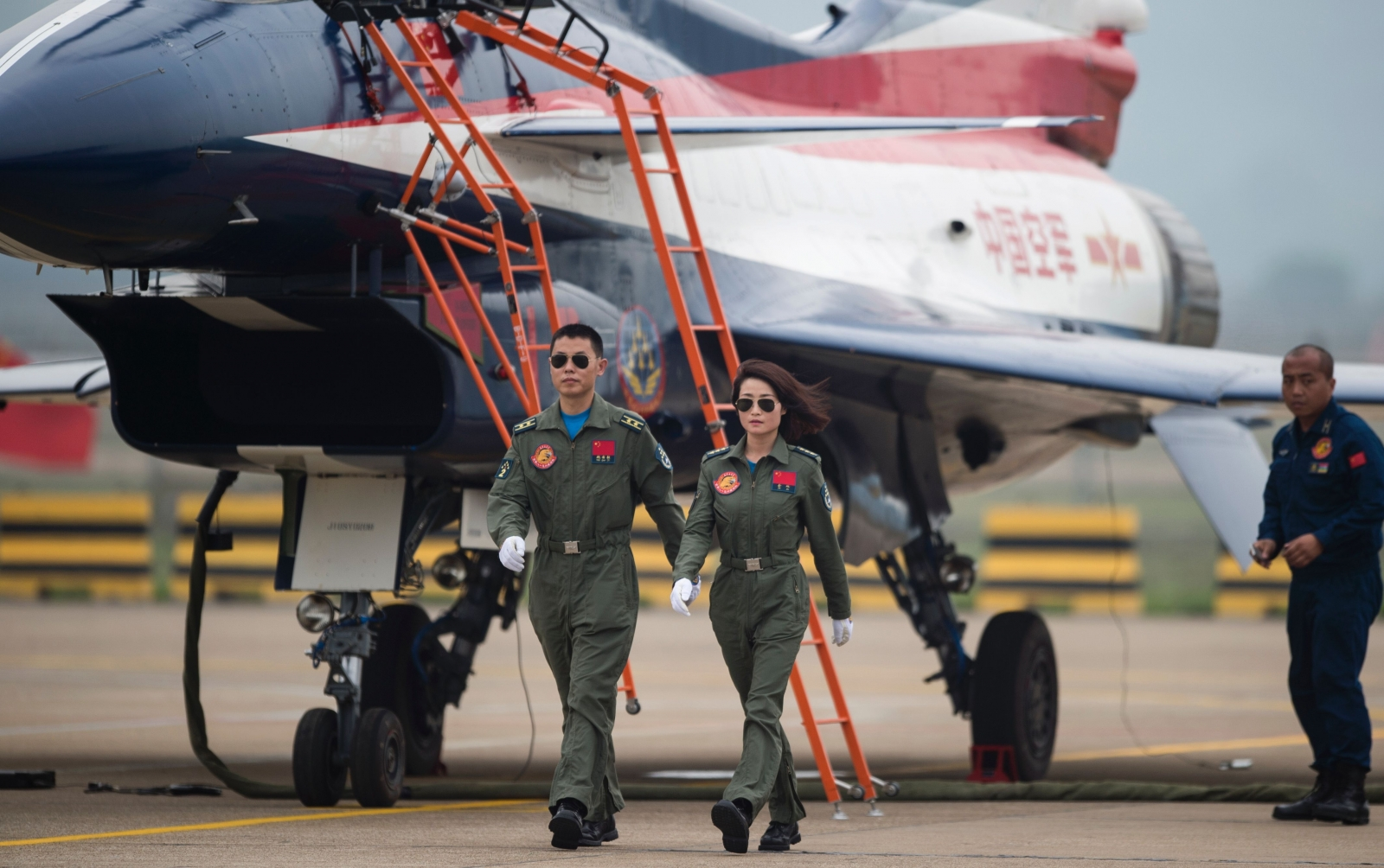 Chinese female J-10 fighter pilot Yu Xu
