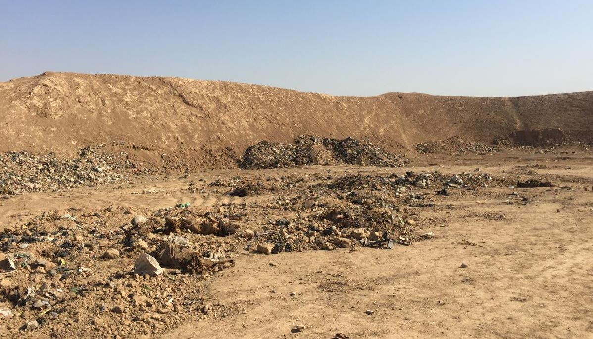 Mass grave outside Mosul